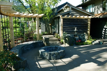 Patio Firepit Renovation - Eugene Oregon - Landscape Trellis